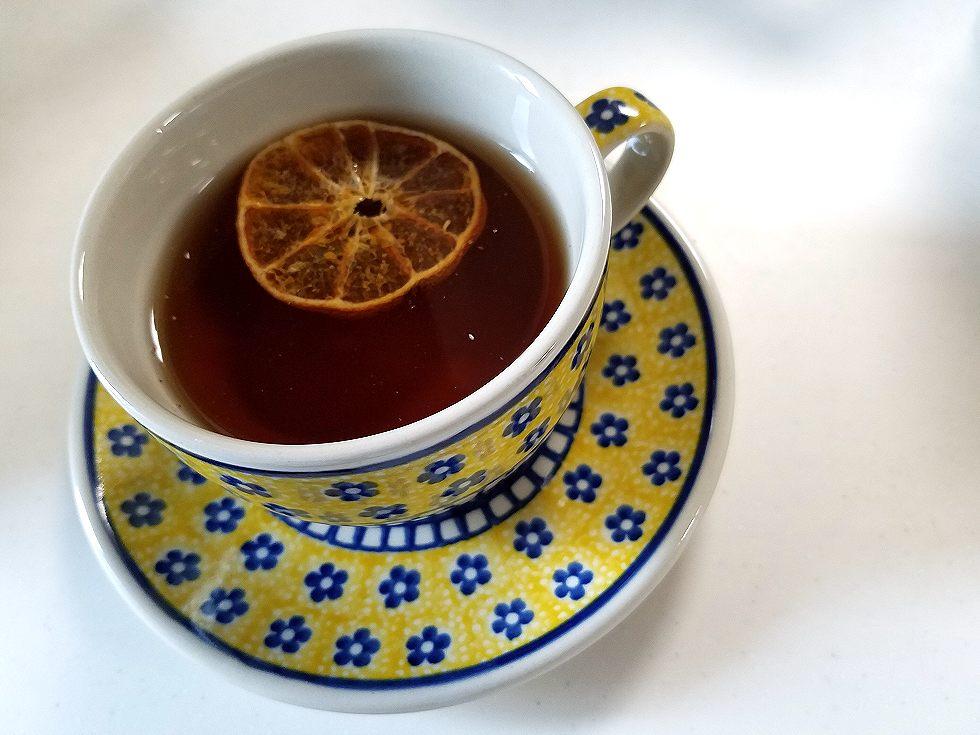 紅茶に浮かべたら簡単オレンジフレーバーティー