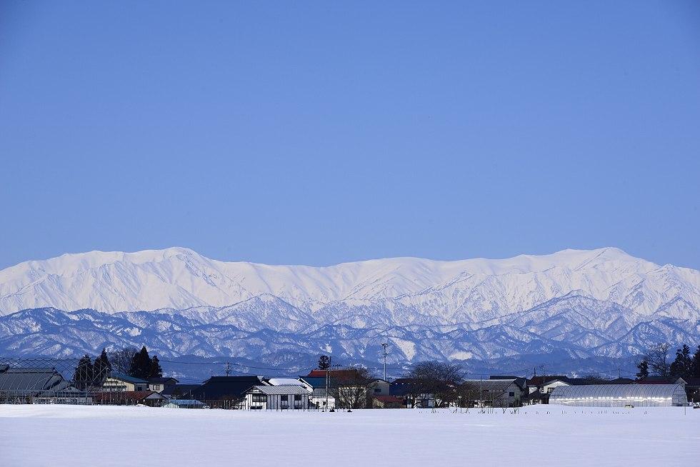 冬の飯豊山(いいでさん)
